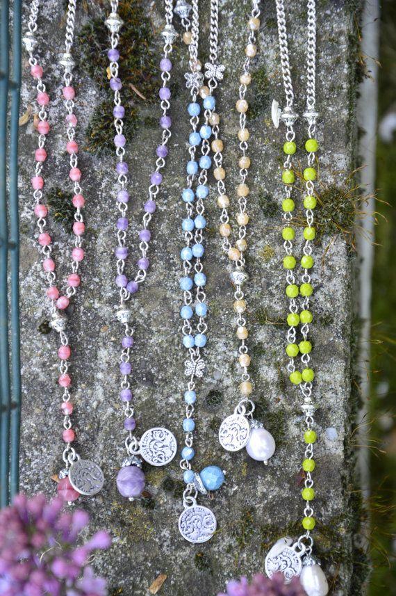 Collana rosario mezzi cristalli e catena sottile di EtVoilaBijoux