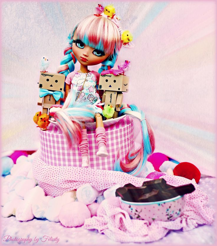 https://flic.kr/p/pgczxB   Wonka Always Painting her life of colours - Happy B-lated Birthday Suki, Poison, Natsumi and Uve Triple   Bueno, pues eso, con los preparativos de boda, ando como loca y sin tiempo ninguno. Asi que al final mis bananitas me han convencido para que suba la foto que hice para el cumple de Suki y Poison el domingo, y aprovecho para felicitar al resto de cumpleañeras también.  Muchas felicidades sobre todo a mi Suki por ser una niña tan linda, tu regalito te lo doy en…