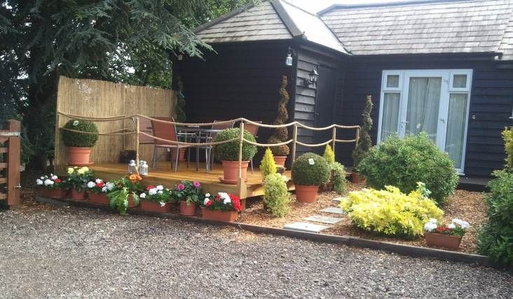 32 best images about beautiful gardens and decking for Garden decking with rope