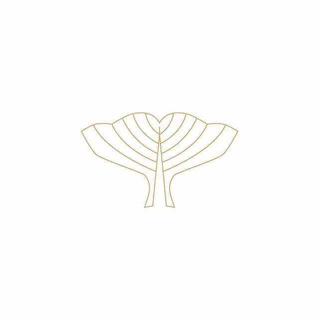 Whale logo mock-up by 21B Creative