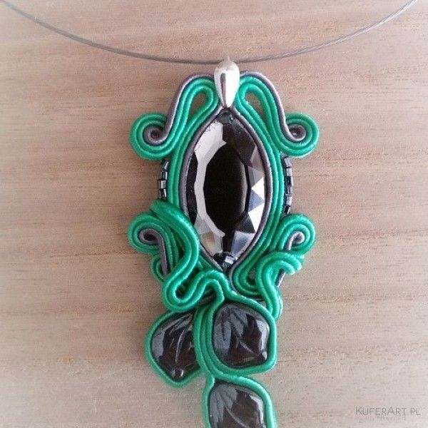 Srebrne liście w zieleni wisiorek - Wisiorki - Biżuteria artystyczna