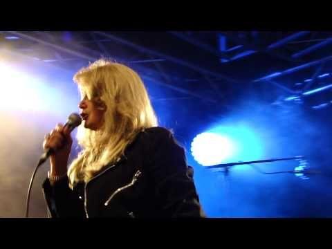 Bonnie Tyler - Holding out for a hero (Kuopio, Finland 2013)  #bonnietyler #gaynorsullivan #gaynorhopkins #thequeenbonnietyler #therockingqueen #rockingqueen #music #rock #2013 #finland #kuopio #concert #bonnietylervideo #holdingoutforahero #kuopiowinefestival