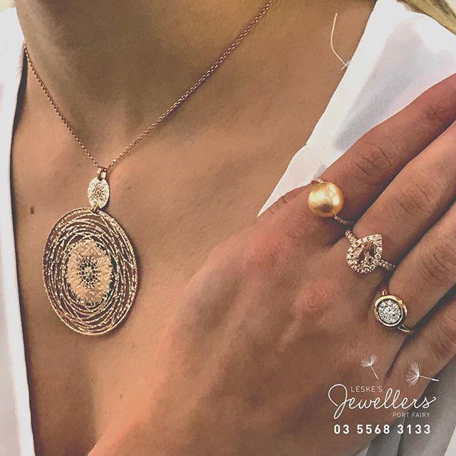 Hard t decide between #diamonds #southseapearls or #morganite ❤️ but overall #roseold  rules👯 #leskesmelbourne #portfairypics #portfairy #anniversary #taxrefund #portfairyjeweller #handcrafted #jewelleryconsultant  #Regram via @loveleskesjewellers
