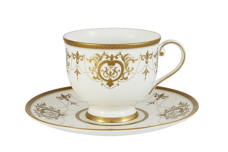 Чашка с блюдцем из костяного фарфора «Тиара Голд»      Бренд: Narumi (Япония);   Страна производства: Индонезия;   Материал: костяной фарфор;   Объем чашки: 240 мл;          #bonechine #chine #diningset #teaset #костяной #фарфор #обеденный #сервиз #посуда  #обеденныйсервиз #чайныйсервиз #чайный  #чашка #кружка #набор #сервировка #cup #mug #set #serving #tea #чай
