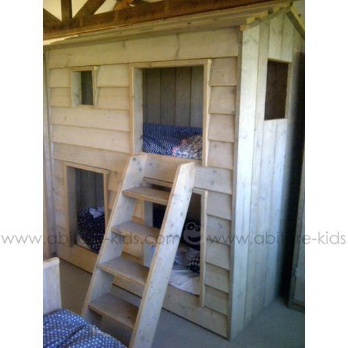 lit cabane house de dutchwood r alis partir de bois r cup r un petit immeuble la maison. Black Bedroom Furniture Sets. Home Design Ideas