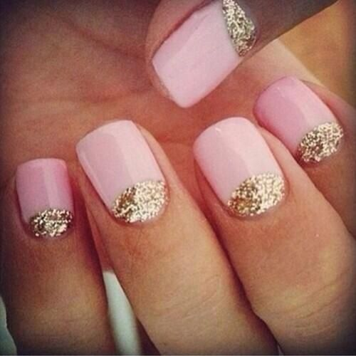 Pink whit gold sparkels, beautiful nails!!