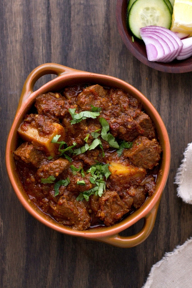Aloo Gosht – Mutton WithPotatoes. A curry sauce with meat and potatoes. via sinfully spicy.