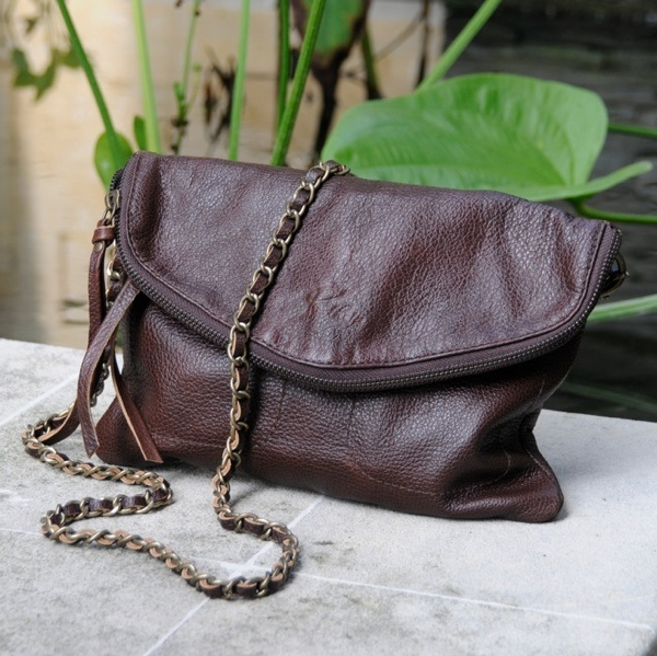 the Amrita purse in chocolate brown - a fantastic design at www.pantheia.com