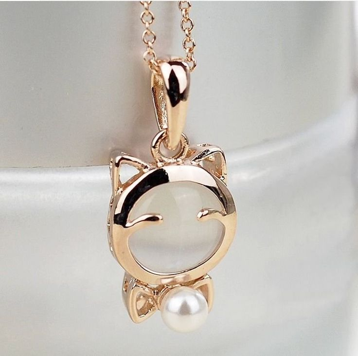 Cute Womens/Girls 14K Yellow Gold Plated Style Pearl Necklace