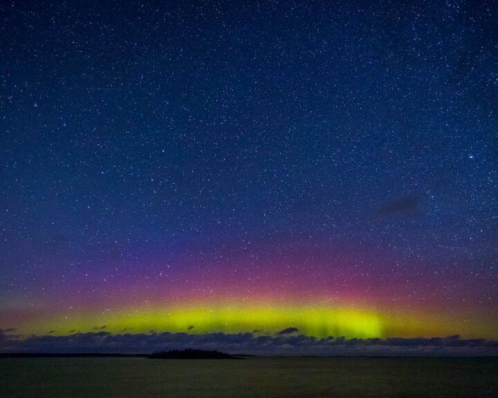 Singö  Rostams Insta   @Rostam__Zandi #singo #grisslehamn #norrtälje 211017 20:02:09  #norrskensverige #norrskensjägare #spaceweather #norrsken #norrskensfoto #norrskenstockholm #landscape #naturephotography #auroraoftheday #auroraboreale #auroraborealis #auroraborealblog #auroraborealisblog #worldaurora #borealis #nordlys #polarsken #huntingthelight #aurora #auroraborealblog #auroraborealisnotifications #nordiclight #worldaurora #ig_auroraborealis #Северноесияние #オーロラ #北极光 #极光…