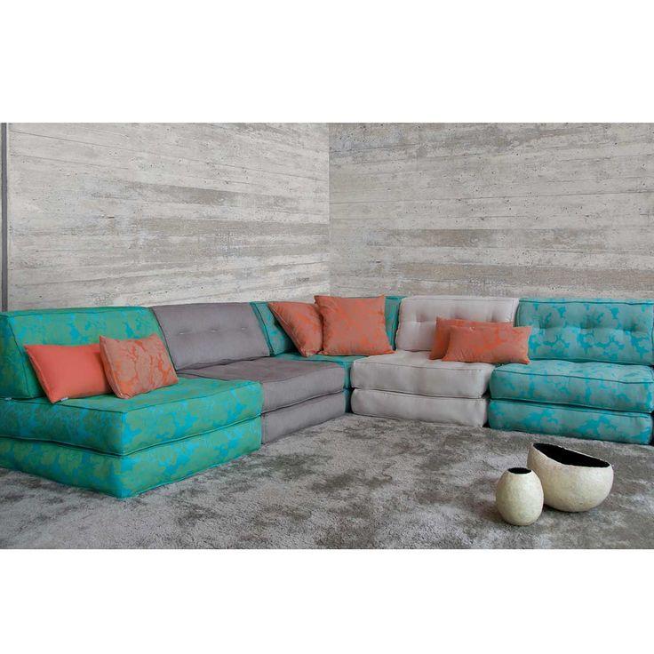 sofá de canto composto de modulos de futon e encostos retos ou de canto, com ou sem base de madeira…