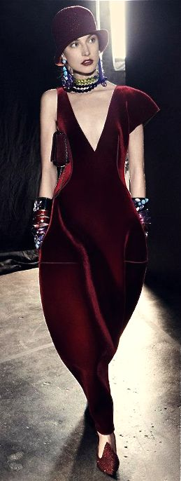 Armani Absolutely stunning. Ruby colours come to life in this picture.