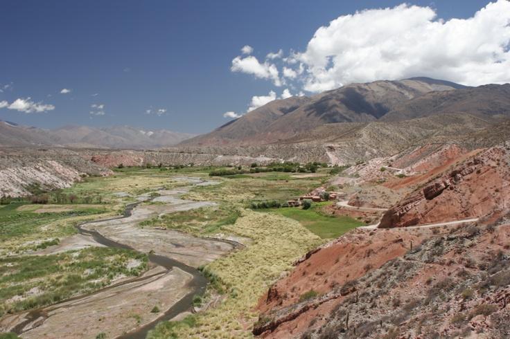 Salta | Ruta 40 hacia La Poma. Más info en www.facebook.com/viajaportupais