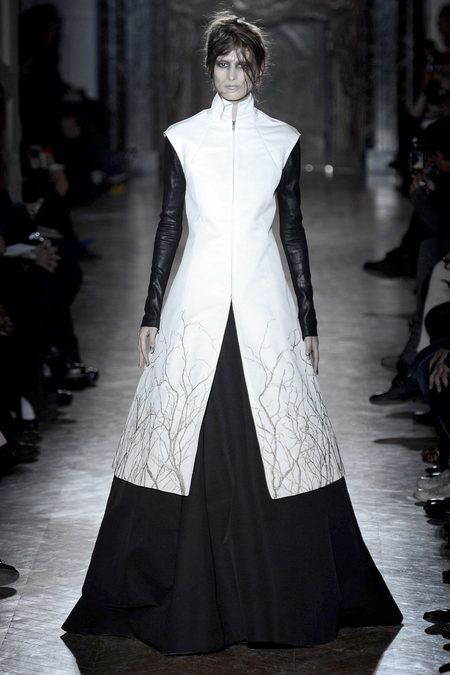 full skirt, tree branches. sort of medieval/anime/modern? I don't know what it is, but I like it :) Gareth Pugh.