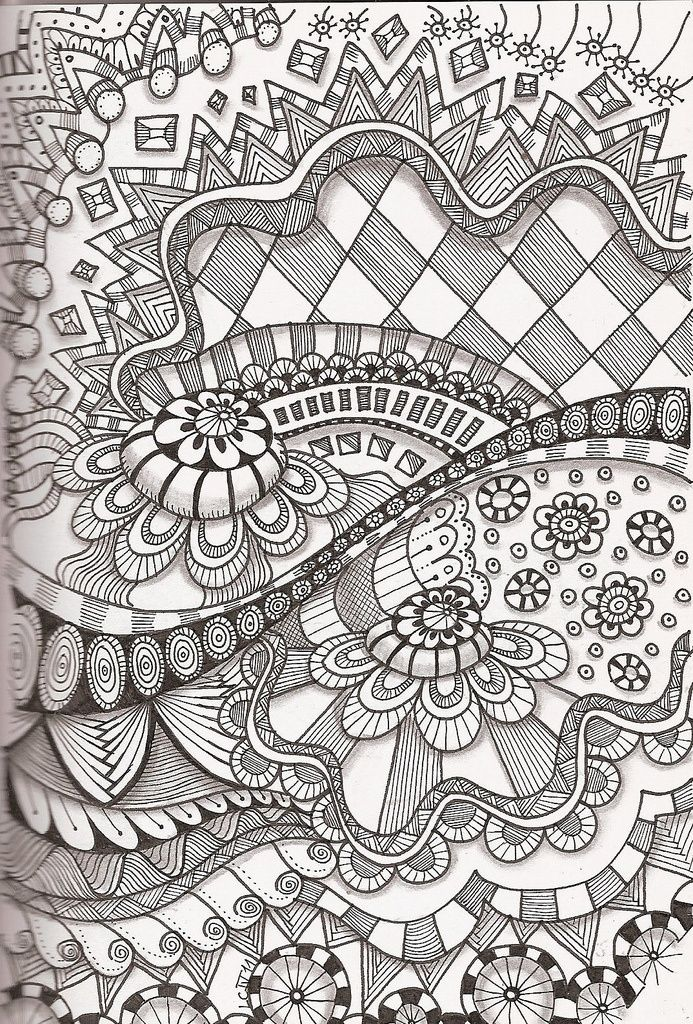 Tangle 35  I LOVE Zentangle!!  Its fun and very creative... I call it glorified doodling!!  TRY IT!!