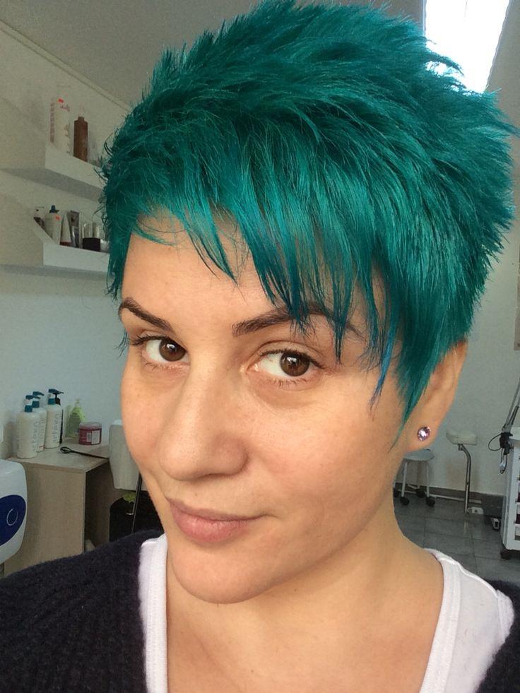 Turqoise hair dye di