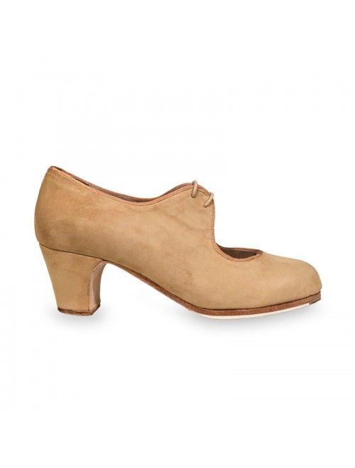 EVA   Zapato flamenco de mujer en ante carne #flamenco #zapatosflamenco #flamencoshoes #zapatospersonalizados #zapatoartesanal #flamencousa #フラメンコシューズ #フラメンコ #flamencojapan #фламенко #фламенковмоскве