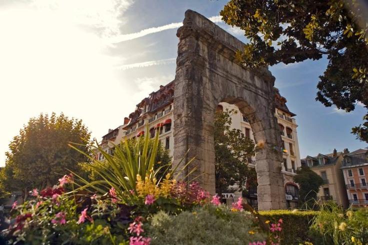 82 best ville et village t images on pinterest annecy for Piscine aix les bains
