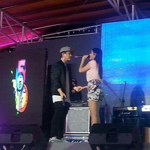 Ang inaabangan ng lahat sa Mamburao Occidental Mindoro Arawatan Festival ngayong gabi, #LizQuen! #ThankYouForTheLove Mindoro! ♡ -CTO-