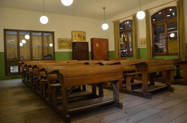 Klassenzimmer aus alten Zeiten