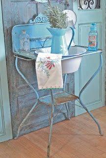 -Love old washstand