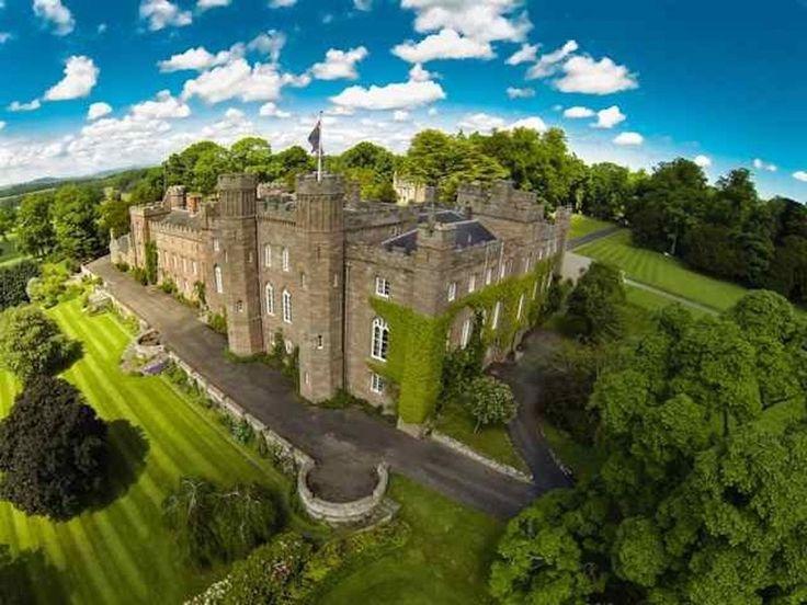 19 волшебных замков Европы, которые можно арендовать