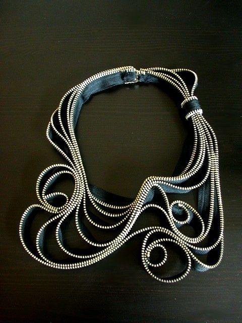 La collana aggrovigliato zip in metallo di ReborneJewelry su Etsy