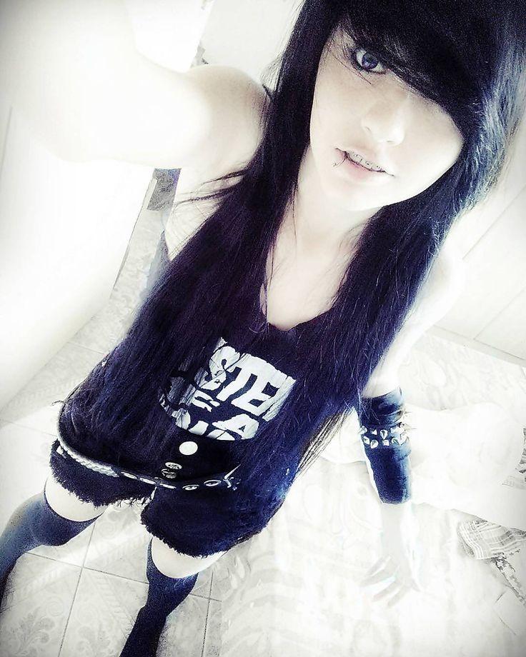 Geeh.Souuza #alternative #emo #scenegirl #hair #black #cute