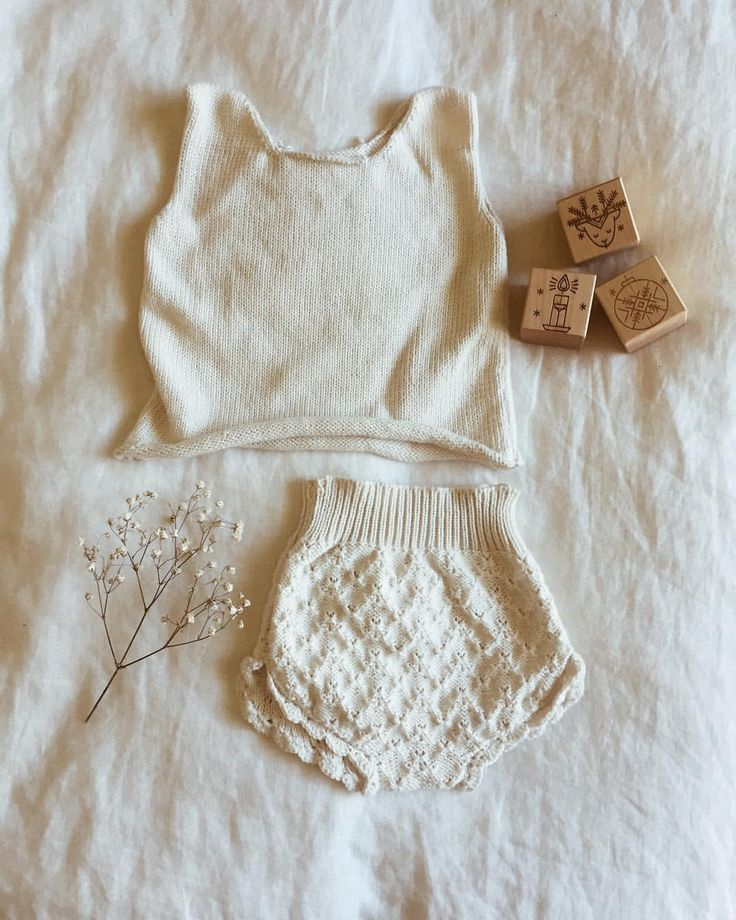 "481 Likes, 30 Comments - Hank Knitwear (@hank_knitwear) on Instagram: ""A Christmas outfit for a Southern Hemisphere Hank baby ♡ The top is still a bit of a work in…"""