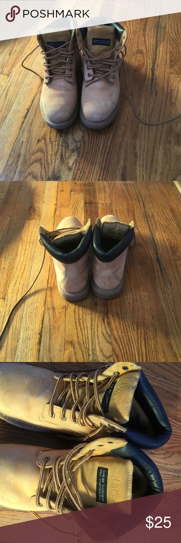 Men's construction boots Men's  construction boots Steel toe by bass .size 10 with  lace . Tan color . Perfect condition . Looks new . Bass Shoes Boots