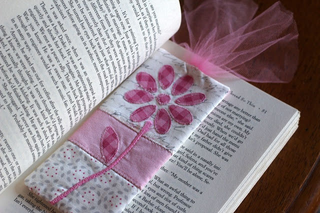 DIY Fabric Bookmark Tutorial- using Slice Digital Fabric Cutter by @CraftyGemini