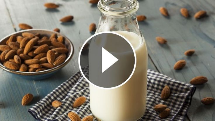 Nepijete kravské mlieko? Pripravte si zdravšiu alternatívu priamo doma podľa tohto videonávodu. Mandľové mlieko vám dodá vitamíny, posilní zdravie a ocenia ho aj dojčiace mamičky.