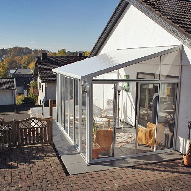 palramappsSanRemo™ is a DIY patio enclosure (sunroom / conservatory) kit that extends your home and allows you to enjoy sunny days year-round ☀️ Here is a beautiful installation in Germany, courtesy of www.mygardenhome.de #palram #homeoutdoors #palramlifestyle