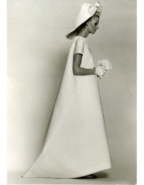 robe de marie balenciaga datant de 1967 httpwwwvoguefr - Pierre Cardin Costume Mariage