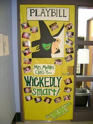 Great classroom door decoration or bulletin board idea, especially for a drama classDoors Ideas, Wizards Of Oz Schools, Wizards Of Oz Classroom, Wizards Of Oz Bulletin Boards, Doors Decor, Teachers Appreciation, Teachers Stuff, Classroom Ideas, Wicked Classroom Doors