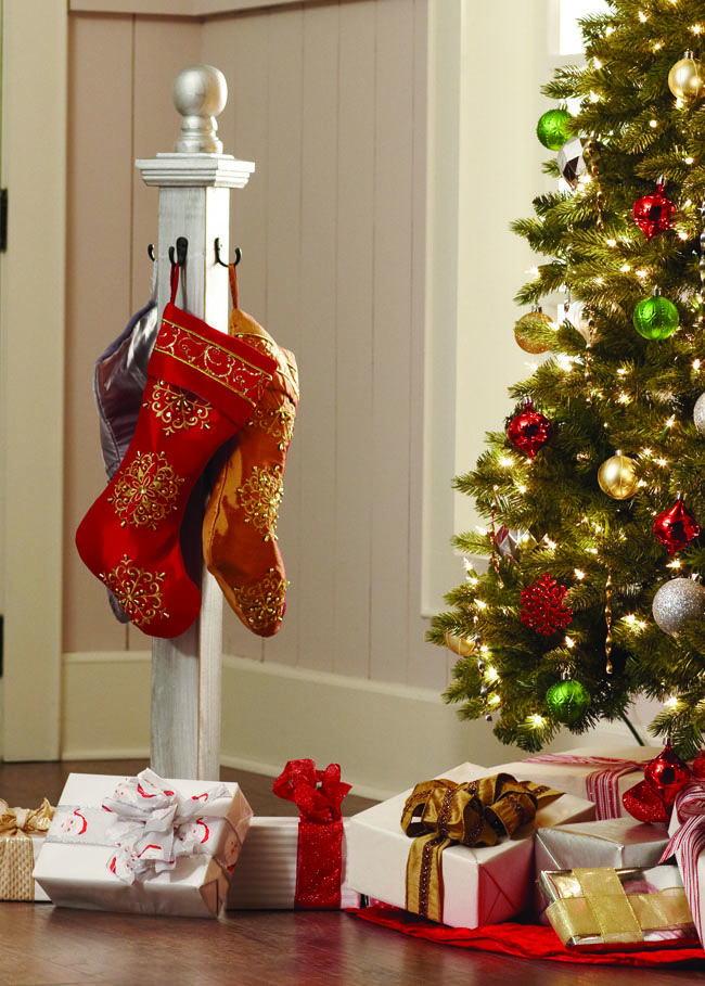 DIY - Stocking Post -  A BEAUTIFUL solution if you don't have a mantel. #diyworkshop #sponsored #christmasdecor