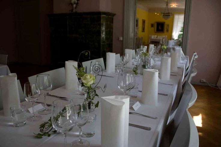 Wedding decorations for tables. Design by Elina Mäntylä, Valona Florana, (Valona design) www.valona.fi