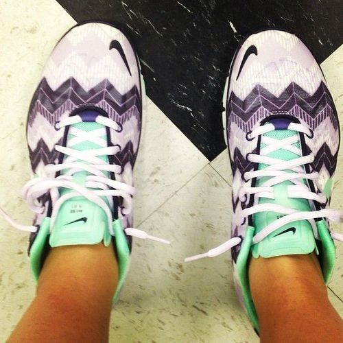 Chevron Nike Frees