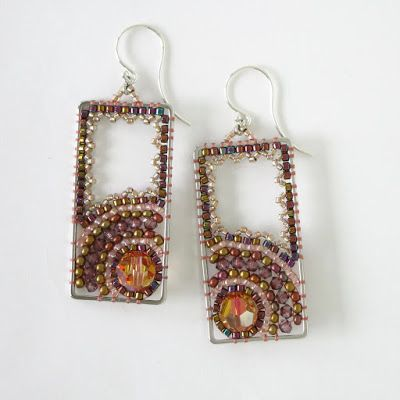 Original Tiny Beaded Earrings by Leslie Sykes O'Neill ~ The Beading Gem's Journal