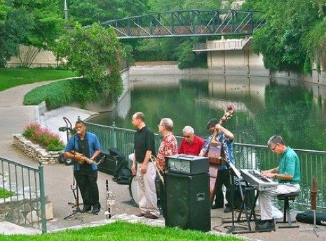 Head over to San Antonio River Authority's lawn by the Riverwalk this evening to relax with a free concert! The King William Association is sponsoring this annual summer series with Daniel Monserrat performing tonight. Feel free to bring lawn chairs and a picnic, too if you'd like and enjoy the music! #satx