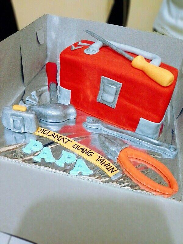 Toolsbox cake