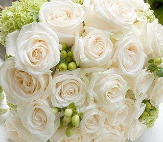 White wedding flowers  www.myfloweraffair.com