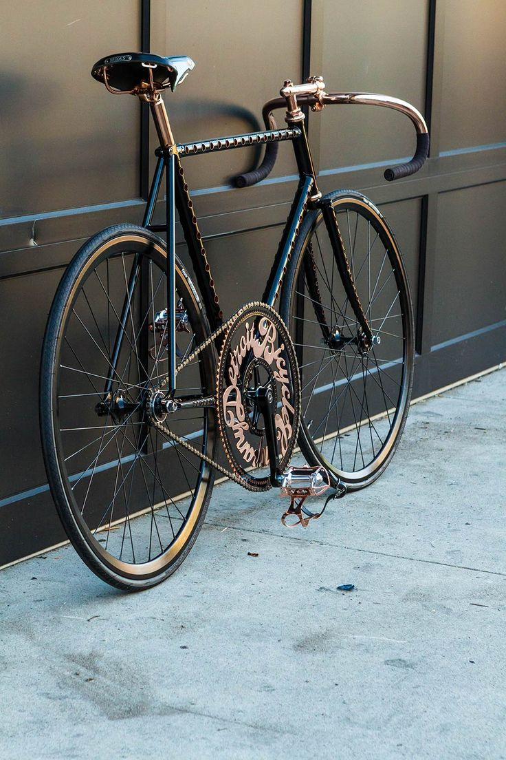 This is sick from Detroit Bicycle Company, this would be a fast bike in KS if the wind don't make it imposible to ride.