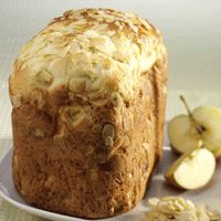 Avevewinkels - Appel-amandelbrood in de broodmachine.