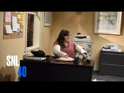 This is  funny. Dakota Johnson literally can't even with her coworkers right now in 'SNL' sketch