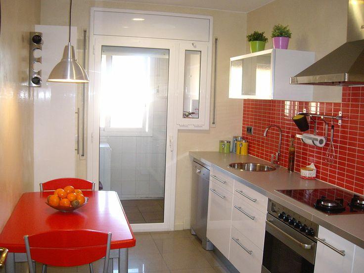 Cocina rojas for Sillas rojas cocina