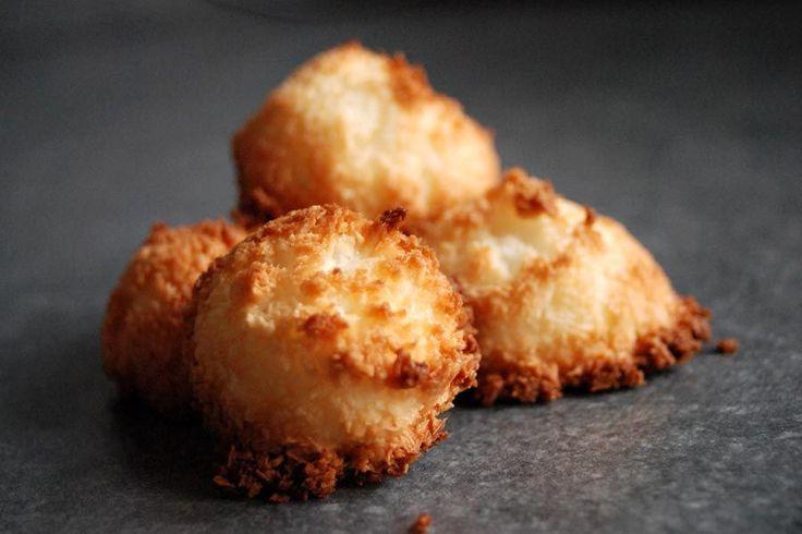 Recette de rocher coco (congolais) au Thermomix TM31 ou TM5. Réalisez ce dessert en mode étape par étape comme sur votre Thermomix !