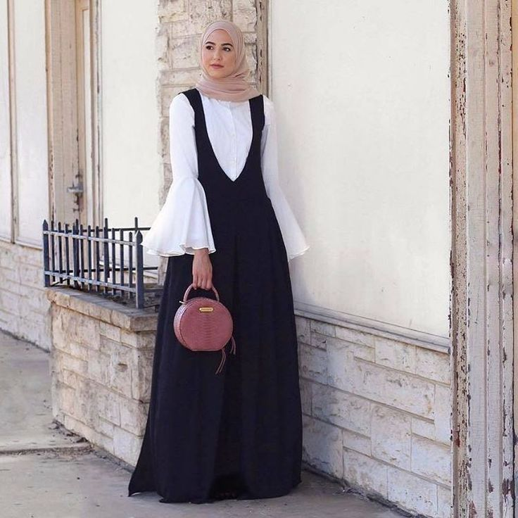 "464 Likes, 3 Comments - Hijab Fashion (@hijabfashion484) on Instagram: ""@withloveleena #hijabfashion #hijabstyle #hijabfashion484 #hijab #fashion #style #love #ootd…"""