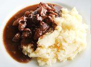 Heerlijk stoofvlees met aardappelpuree