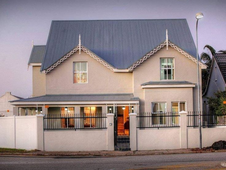 23 on Glen - 23 On Glen welcomes you. Our newly renovated Bed and Breakfast maintains the visual aesthetic and alluring appeal of the Victorian Age.Choose from our Double Rooms, spacious rooms with a queen size bed, ... #weekendgetaways #portelizabeth #sunshinecoast #southafrica